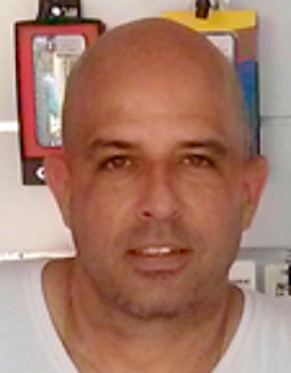 Néstor Luis Morales