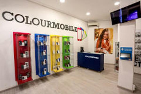 COLOURMOBILE se refuerza con los nuevos smartphones de MOBIOLA y Energy Sistem