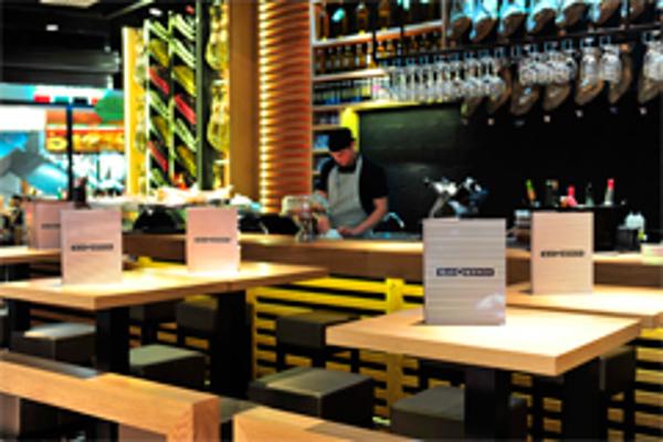 La franquicia MasQMenos aterriza en Barajas con dos restaurantes
