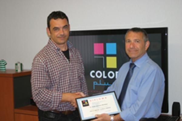 La franquicia Color Plus Mataró obtiene el certificado del curso de formación