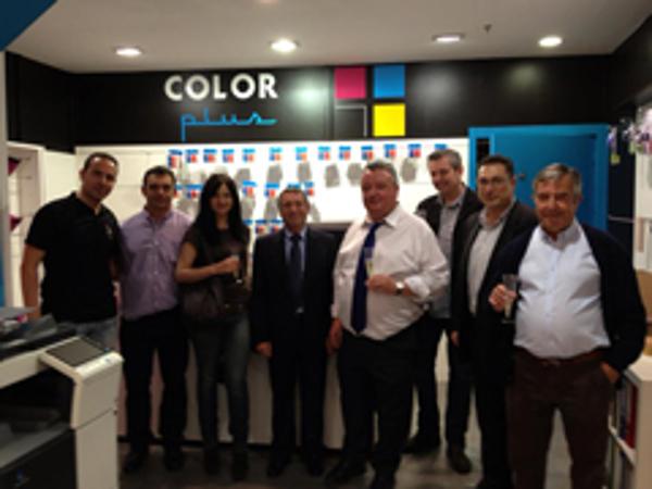 Franquicia Color Plus Mataró, una inauguración llena de compañerismo