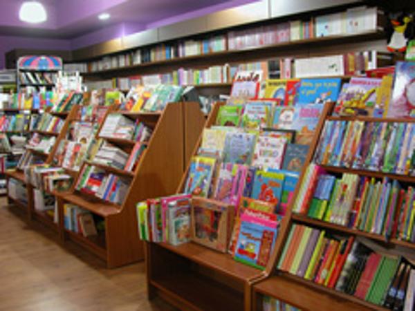 Ler Librerías inaugura una nueva franquicia de encuentro cultural en A Coruña