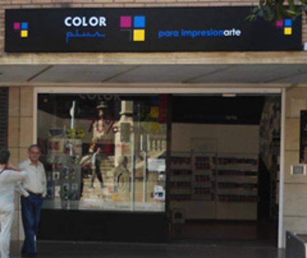 La franquicia Color Plus Valls cambia de dirección