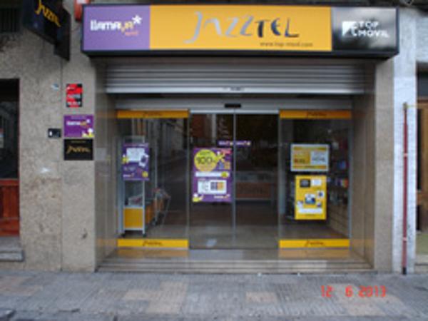 Top-Movil inaugura su franquicia n� 80 en Cuenca