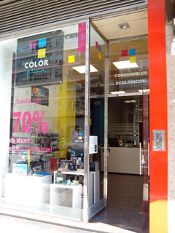 Color Plus abre las puertas de su franquicia Zaragoza Plaza Roma