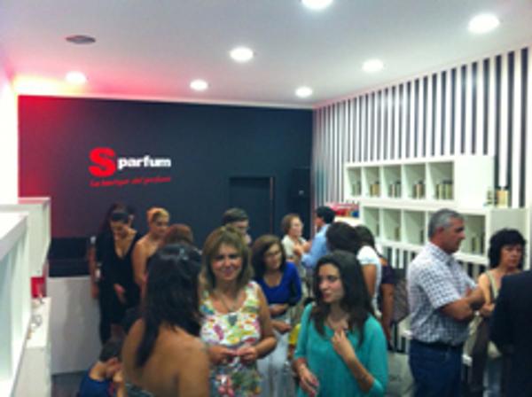 La franquicia ESSE Parfum inaugura su nuevo punto de venta en Portugal