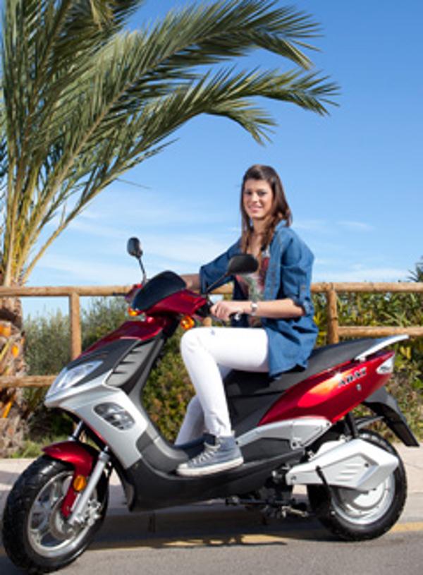 La franquicia Abat celebra las nuevas ayudas para la adquisición de vehículos eléctricos