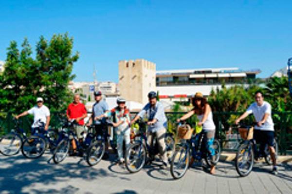 La red de franquicias Abat lleva las bicis eléctricas a las Rutas Turísticas