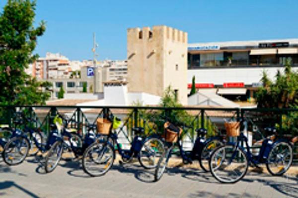 Las franquicias Abat fomentan la movilidad eléctrica en las ciudades