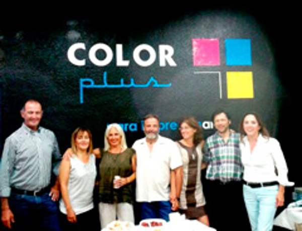 Color Plus Zaragoza Portillo inaugura su franquicia