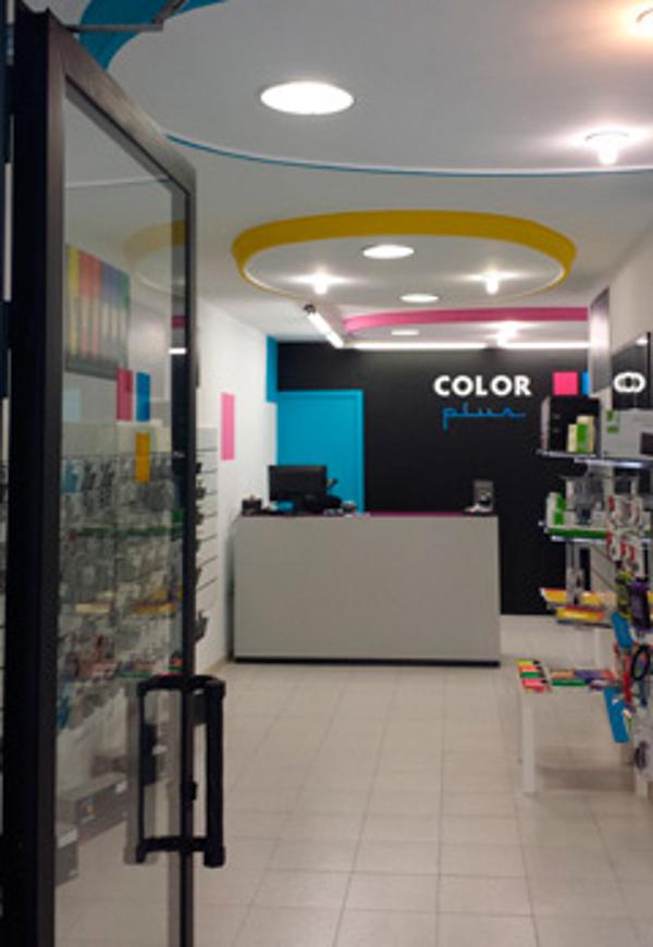 Color Plus abre su nueva franquicia en Badalona