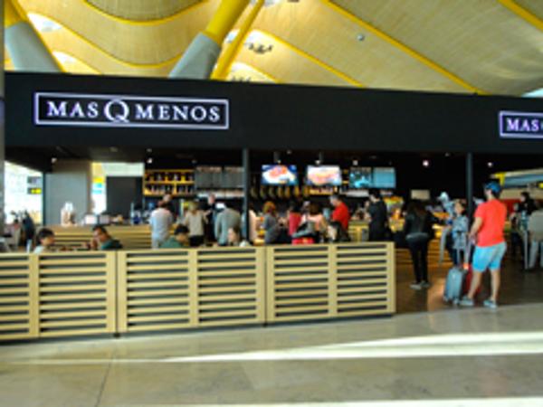 El Aeropuerto de Madrid-Barajas importa la calidad de la franquicia MasQMenos a la T4