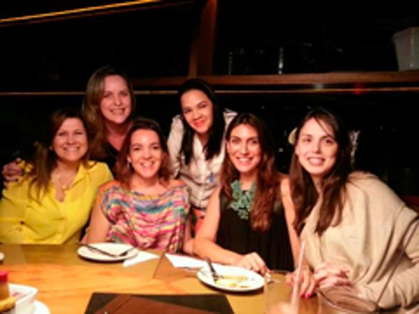 La red de franquicias D-uñas realiza acciones en Brasil