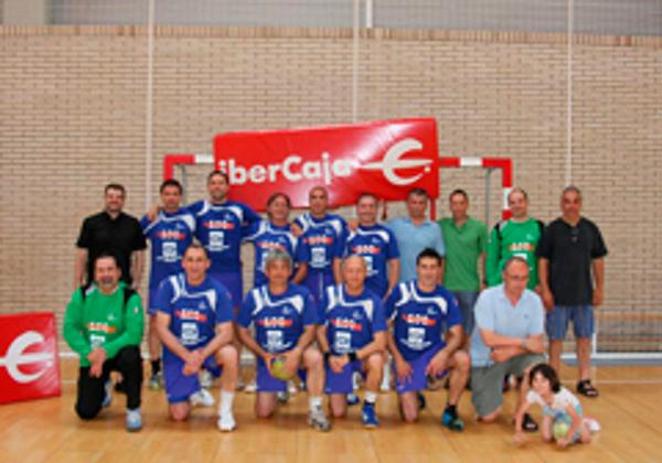 Patrocinamos al equipo de veteranos de Balonmano de Zaragoza en el Campeonato de España