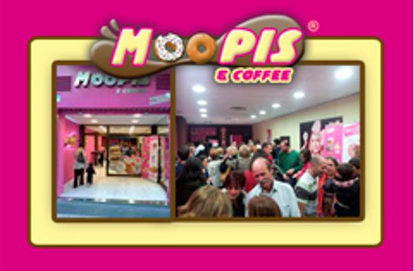 Espectacular inauguración de la franquicia Moopis & Coffee en Zaragoza