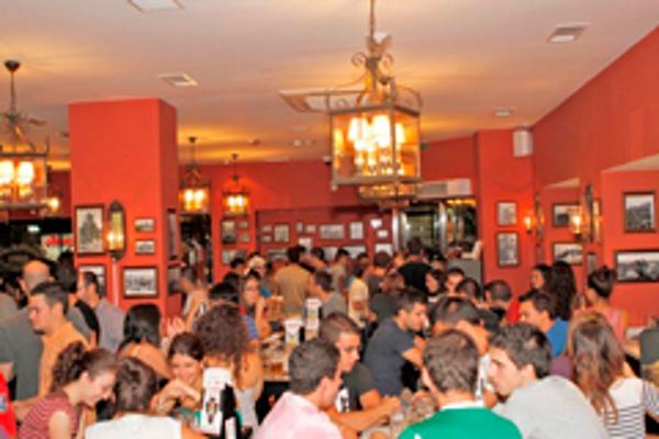 La franquicia 100 Montaditos inaugura hoy un nuevo restaurante en Granollers