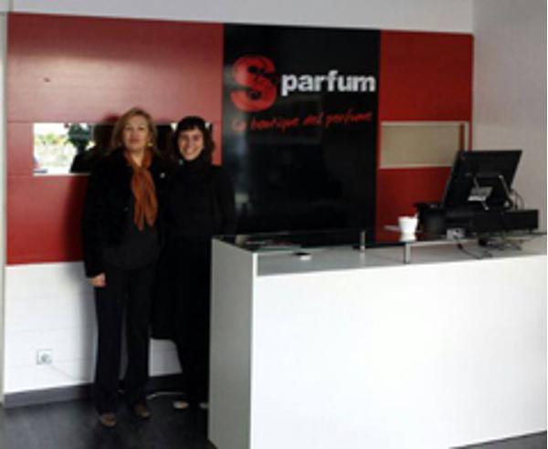 La red de franquicias Esse Parfum refuerza su presencia en Portugal