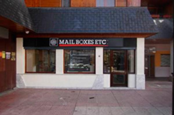 Mail Boxes Etc. abre su séptima franquicia en Aragón