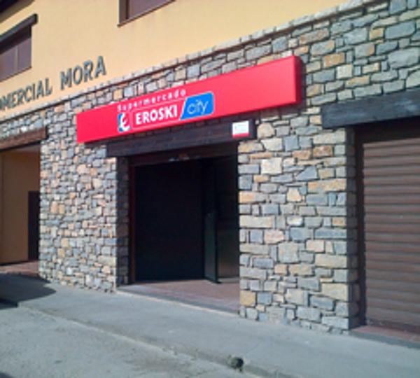 Las franquicias Eroski inauguran un supermercado en Mora de Rubielos, Teruel