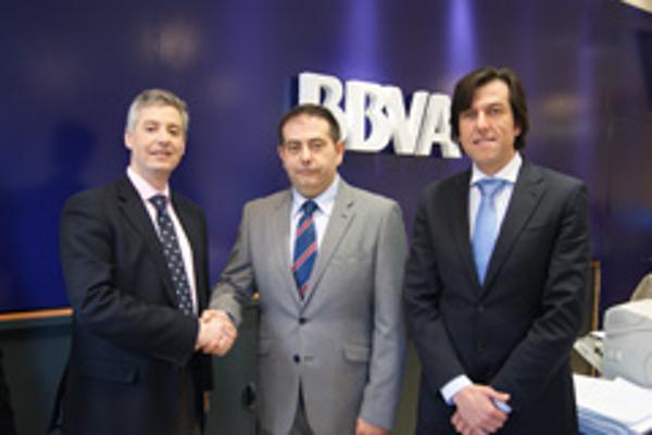 Las franquicias La Botica de los Perfumes y BBVA firman un acuerdo de colaboración