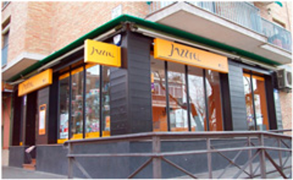 Las franquicias Jazztel by Top Móvil reducen su inversión inicial