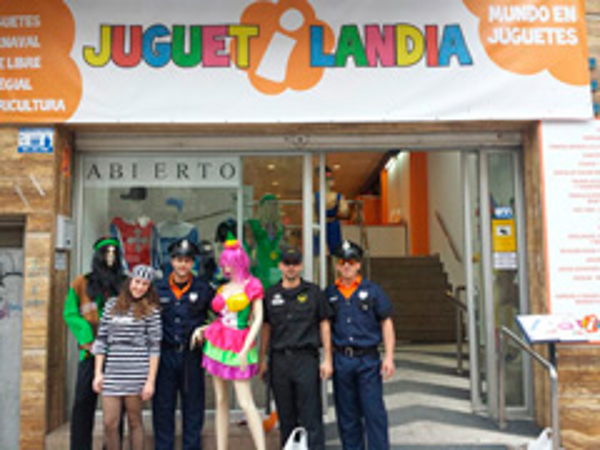 Disfraces todo el año en Juguetilandia
