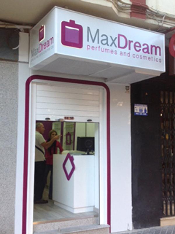 Las franquicias MaxDream se alían con Respiralia para conseguir un mundo sin humo