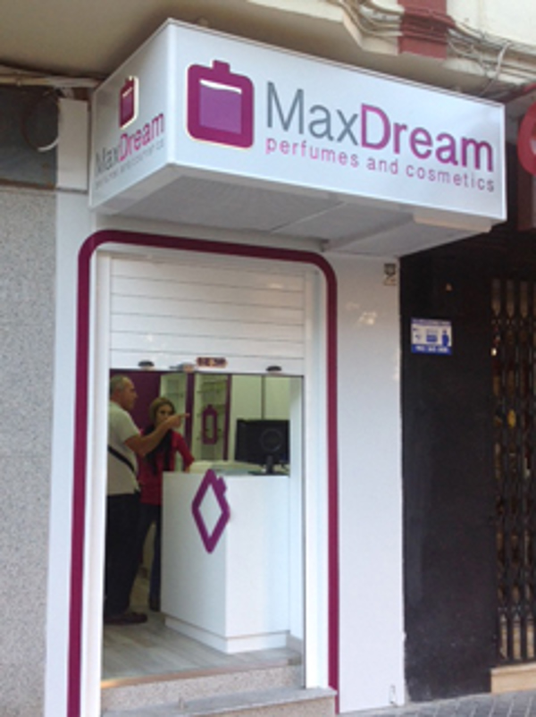 Las franquicias MaxDream se al�an con Respiralia para conseguir un mundo sin humo
