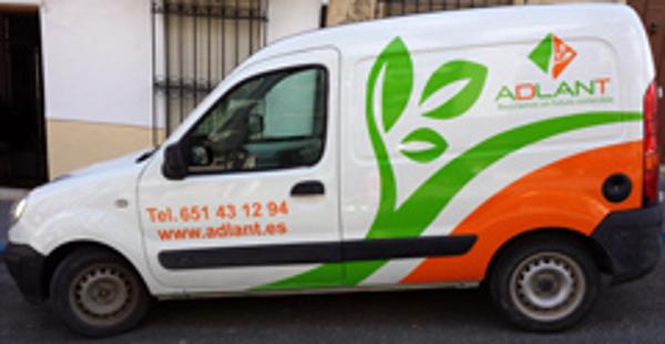 La franquicia Adlant Jaén estrena rotulación en su furgoneta
