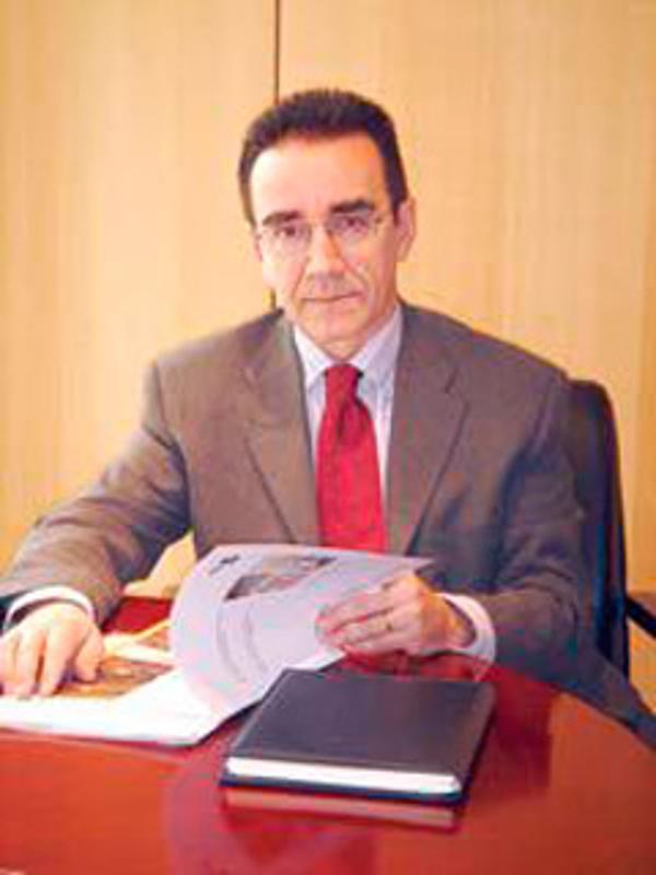 La franquicia YMOV Group y Banco Sabadell firman un convenio de colaboración