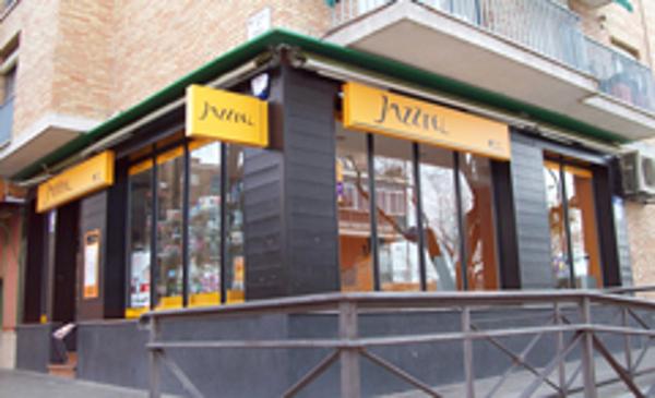 Las franquicias Top Móvil abren 30 nuevas tiendas Jazztel en el primer trimestre del año