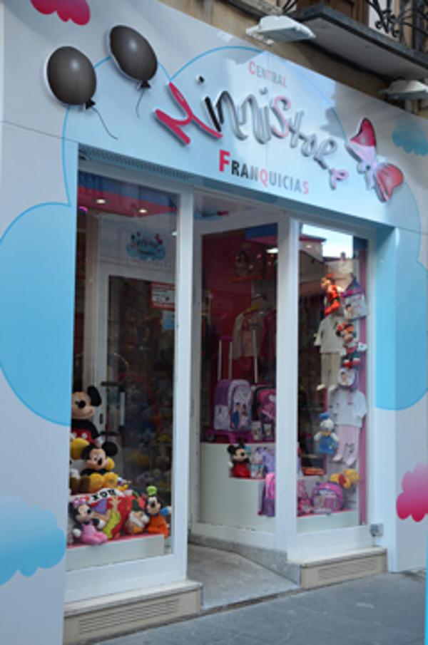 Minni Store sigue su expansión y hace oficial la firma de su franquicia en Albacete