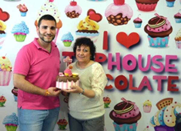 La magia de la repostería creativa llega a Tomelloso de la mano de la franquicia TopHouse Chocolate