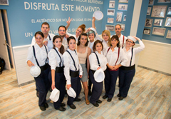 La Sure�a inaugura su nueva franquicia en Cartagena