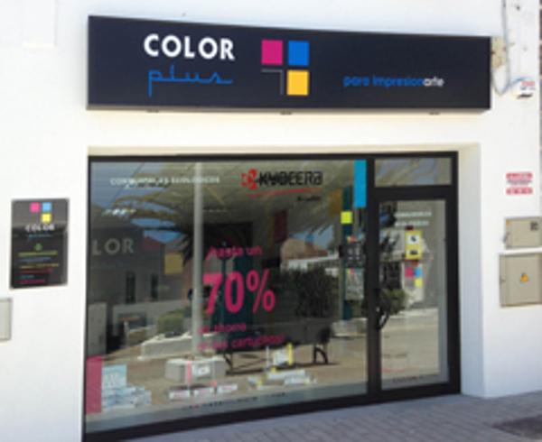 La franquicia Color Plus Lanzarote abre sus puertas