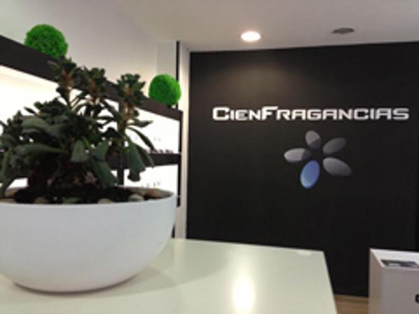 La red de franquicias CienFragancias prepara su nueva l�nea de productos complementarios