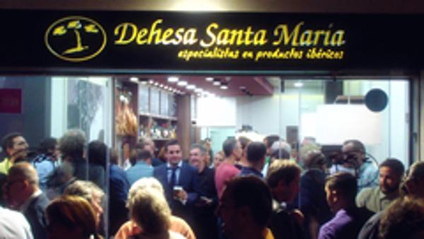 Dehesa Santa María inaugura su nueva franquicia junto al Museo Thyssen de Málaga
