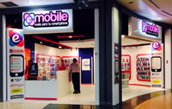 """Emobile apertura en Madrid C/Cial H2O  su nuevo concepto de tienda """" FULL STORE """""""