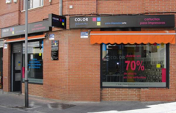 Abierta al público la franquicia Color Plus Pinto
