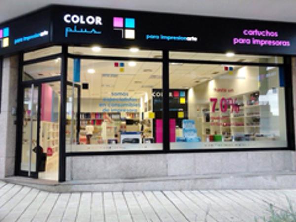 Color Plus abre las puertas de su nueva franquicia en Vigo