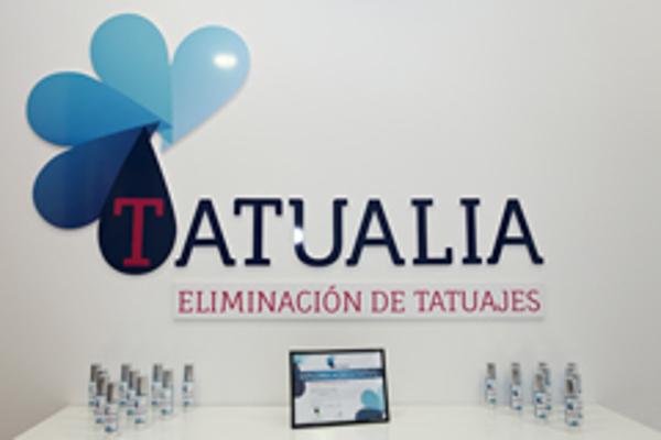 Aterriza en Valencia Tatualia, la primera franquicia low cost de eliminación de tatuajes