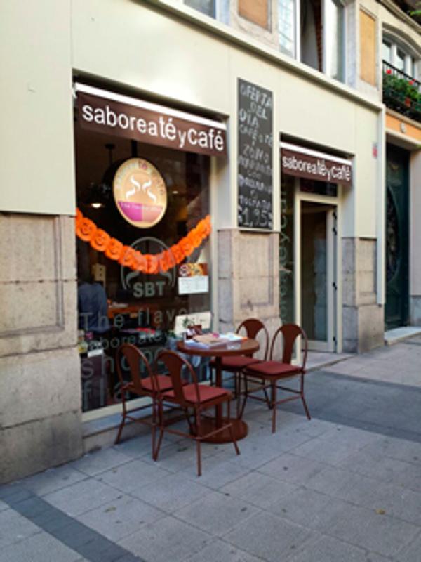 Saboreatéycafé abre una nueva franquicia en el centro de Santander