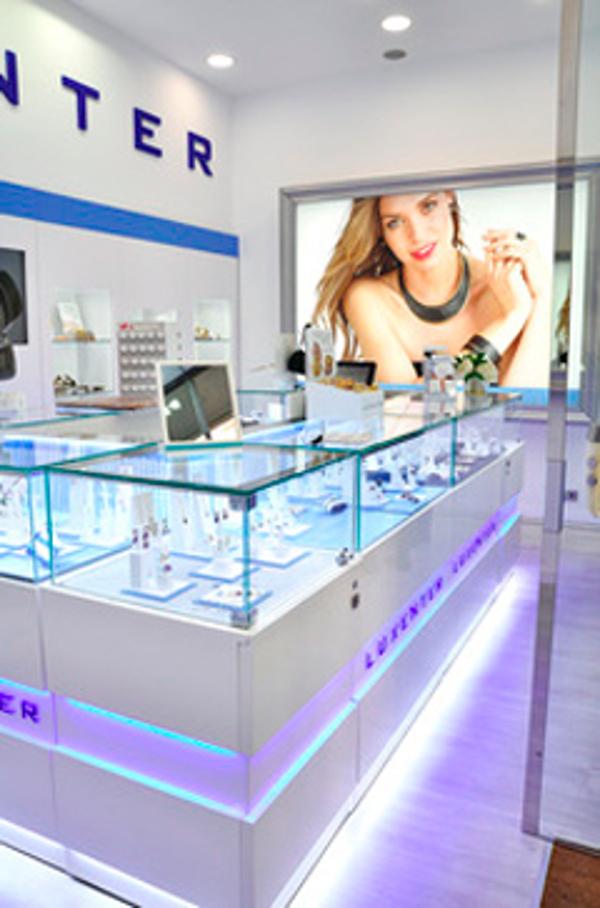 Luxenter abre las puertas de su primera  franquicia en España