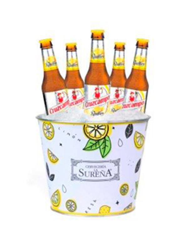 Los nuevos cubos de las franquicias Cervecería La Sureña son todo un éxito entre los clientes