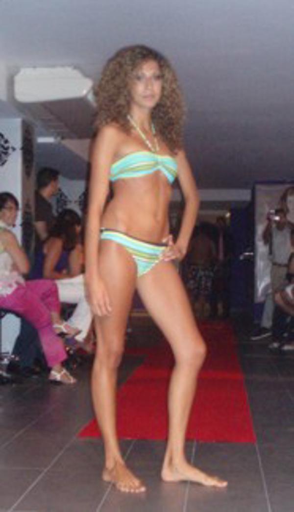 Frresite organiza un desfiel de modelos para  su nueva apertura en Las Palmas