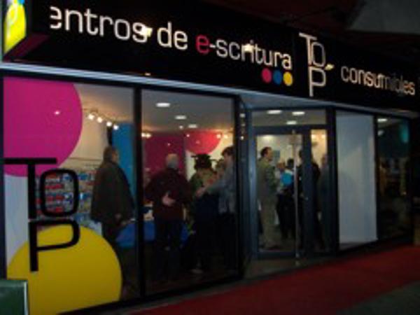 Top Consumibles inaugura una nueva franquicia en Zaragoza.