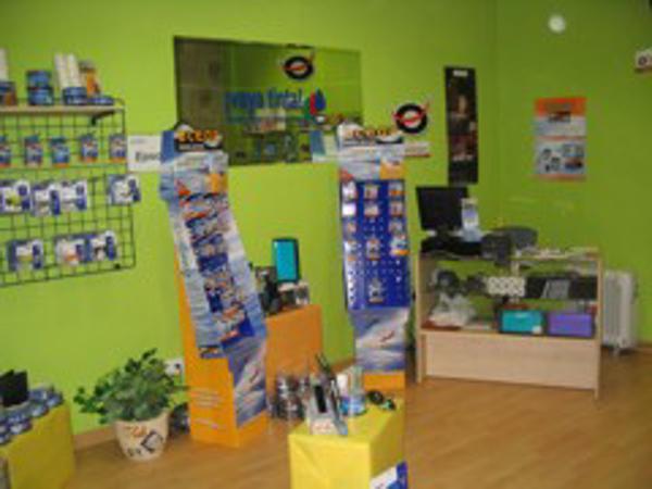 La franquicia Vaya Tinta suministra material informático a más de 200 tiendas