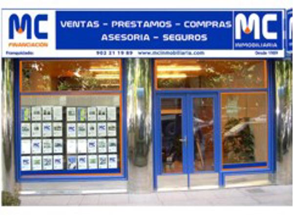 Las cadena de franquicias MC Inmobiliaria en misión comercial en Bogotá