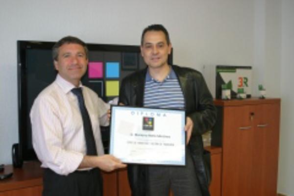 Obtenci�n de diplomas de la franquicia Color Plus de Fuenlabrada (Madrid)