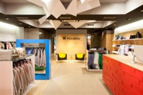 Paca Garc�a, franquicia de moda mujer, inaugura una nueva tienda